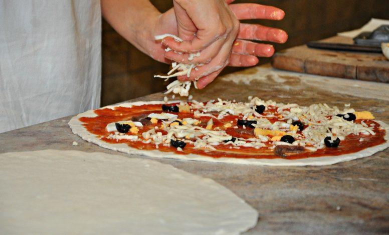 cuisinier/ère et pizzaïolo
